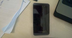 "More BlackBerry 10 ""London"" pictures leak"
