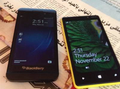 BlackBerry 10 L-Series Vs Lumia 820