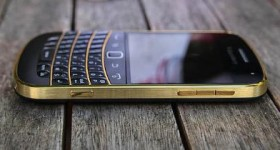 Win a Limited Edition Gold BlackBerry 9900 Smartphone