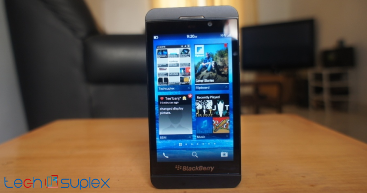 BlackBerry 10 review display