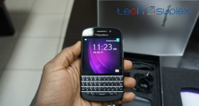 Unboxing and Hands-on Photos of the BlackBerry Q10 + 1st Impressions