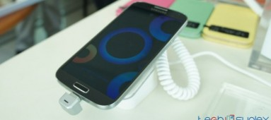 Samsung Galaxy S4 and accessories hands on pictures and first impressions