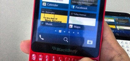"New leaked images and specs of the BlackBerry 10 ""curve"" R10 hit the internet"