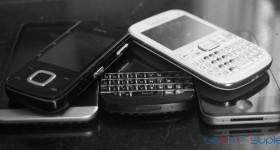 Feature Phones are running out of advantages over smartphones.