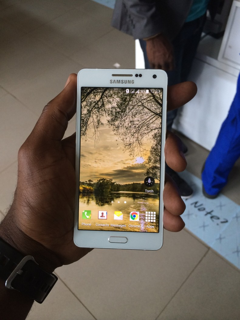 hands on with the samsung galaxy a5 techsuplex. Black Bedroom Furniture Sets. Home Design Ideas